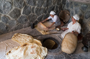 Armenia.-How-to-cook-lavash-in-tandoor-3